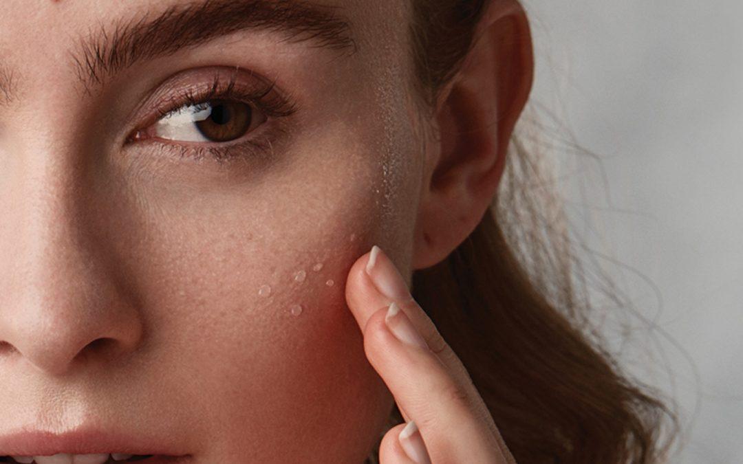 Wat zijn grove poriën nou echt en wat doe je er tegen?